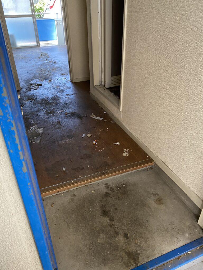 ワンルームアパート、片付け後(入口)の写真